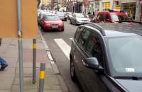 Straż miejska nie reaguje na zastawione przejście dla pieszych