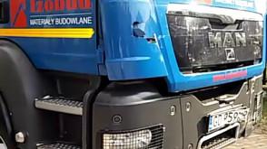 Wypadek ciężarówki z autobusem w Chwaszczynie