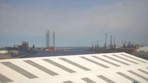 Platforma Petrobaltic wpłynęła do portu w Gdyni