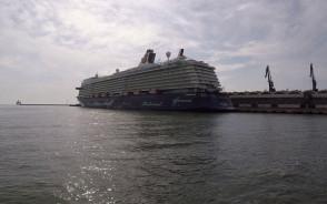 Wycieczkowiec Mein Schiff w Gdyni