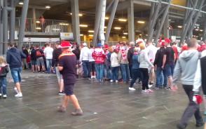 Wielkie kolejki 10 minut do meczu Polski
