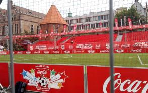 Boisko na turniej dla młodzieży na Targu Węglowym