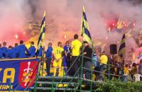 """Oprawa kibiców Arki Gdynia na """"Górce"""" przy Ejsmonda"""