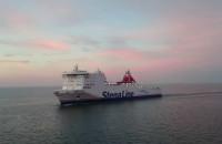 Stena Line wchodzi do portu w Gdyni