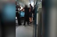 Kłótnia kontrolerów z pasażerami SKM