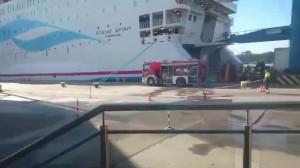 Pożar samochodu ciężarowego na promie