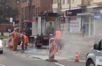 Drogowcy łatają dziury na Rajskiej w Gdańsku