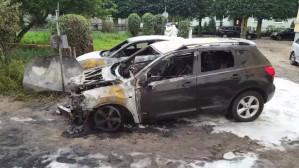 Spalone wraki aut w Oliwie