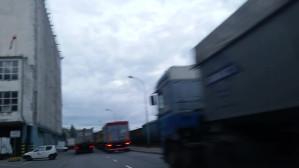 Tiry stojące na ul. Polskiej
