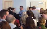 """Widzowie chcący obejrzeć film """"Wołyń"""" na Festiwalu Filmowym w Gdyni"""