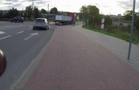 Wyprzedzanie na skrzyżowaniu, zakazie i podwójnej ciągłej