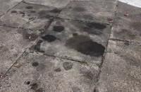 Brudny problem - plamy oleju na parkingach