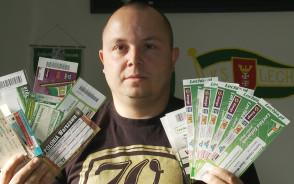 Zbiera bilety Lechii Gdańsk
