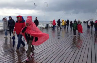 Spacer po molo w Sopocie - deszcz, słońce, wiatr i tęcza