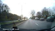 Kierowca Felicji ignoruje światła
