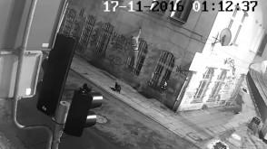 Grafficiarze zdewastowali elewację kamienicy