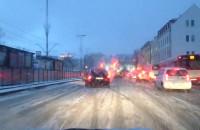 Białe ulice w centrum Gdańska ciężko ...