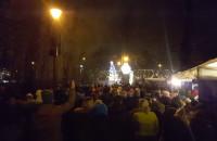 Tłumy na iluminacji w Parku Oliwskim