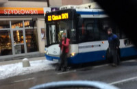 Pijani zatrzymali autobus w centrum Gdyni