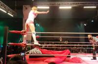 Damski wrestling podczas festiwalu Szlamfest w B90