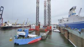 "Operacja dokowania platformy ""Petrobaltic"""