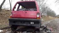 Wrak Daewoo Tico zalegał na ul. Sybiraków w Brzeźnie