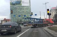 Transport wielkogabarytowych elementów przez Gdańsk
