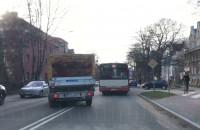 Kolizja autobusu z ciężarówką w Gdańsku