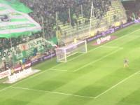 Radość kibiców i piłkarzy Lechii Gdańsk po wygranych derbach