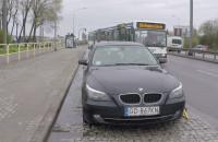 BMW zaparkowało na przystanku. Dlaczego go nie odholowali?