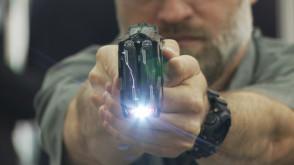 Taser, czyli broń na prąd
