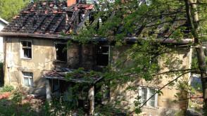 Spalony stary dom we Wrzeszczu