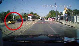 Kierowca wjechał pod prąd w centrum Gdańska