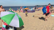 Tłumy na plaży w Brzeźnie