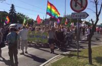 Marsz Równości idzie ulicami Wrzeszcza