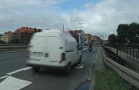 Mandaty dla kierowców blokujących buspas.