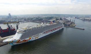 Największy wycieczkowiec w Gdyni