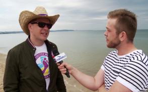 Filip Chajzer, Jankes i wolontariusze posprzątali gdańskie plaże