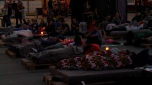 Kino na łóżkach