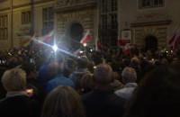 Tłumy uczestniczące w proteście w Gdańsku