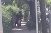 Strażnicy miejscy w Gdańsku jadą po chodniku