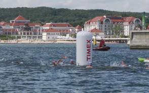 Wyścig pływacki dookoła sopockiego molo
