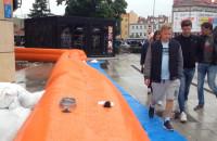 Zapora przeciwpowodziowa przed Galerią Bałtycką