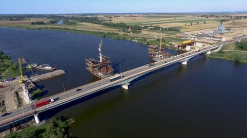 Budowa nowego mostu w Kiezmarku z lotu ptaka