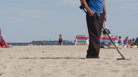 Poszukiwacz na plaży