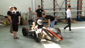 Studenci zbudowali bolid wyścigowy