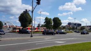 Przejazd kolumny prezydenta Dudy przez Gdańsk