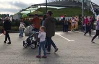 Tłumy ludzi w krainie Kinder Niespodzianki w Gdyni