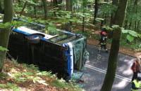 Wywrócony autobus na Sopockiej