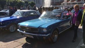 Wystawa Fordów Mustangów w Sopocie